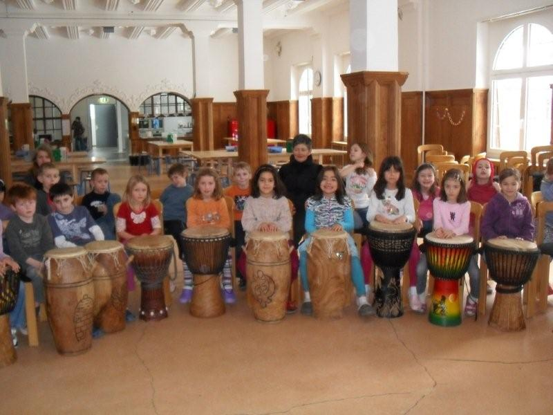african rhythm and music in workshop for children.