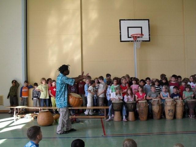 workshopwithchildreninAfricanmusicanddanceSwitzerland